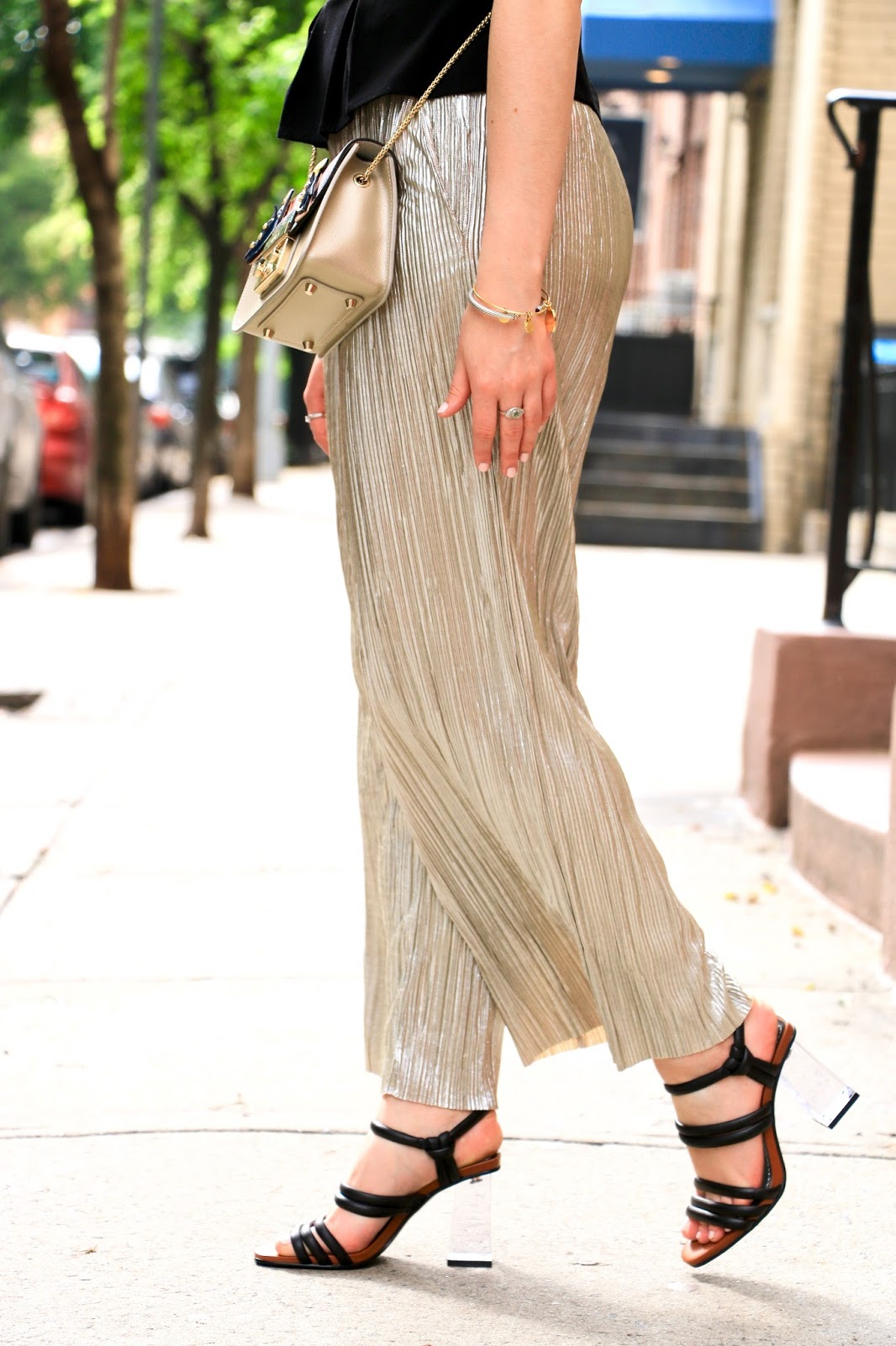 nyc fashion blogger Kathleen Harper wearing metallic gold culottes with heels