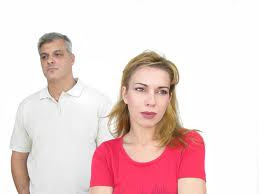 las mujeres tienen infecciones del tracto urinario mas que los hombres