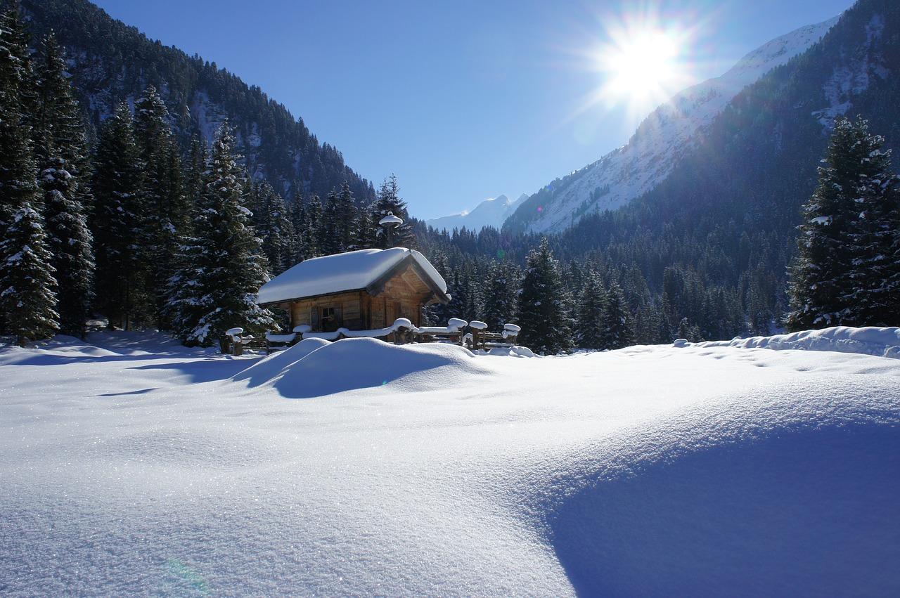 Jak przygotować się na wyjazd w góry w zimie?