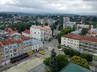 Дрогобич. Вигляд на південний захід, на вулиці Бориславську і Трускавецьку, на собор Пр. Трійці