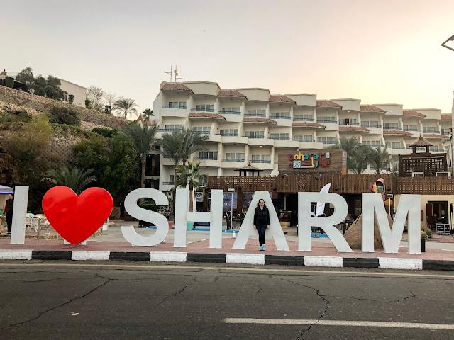 sharm güvenli mi, Sharm El Sheikh, Egyp, Mısır tatili, Mısır Vizesi, Mısır Çocukla Gidilir mi, Mısırda ne yenir, Mısırda Gezi, Papirüs, Piramitler, Şarm Gezisi, Mısır para birimi, Mısır saat farkı, Mısır gezilecek yerler, Şarm gezilecek yerler, Hurghada gezilecek yerler, Şarm hava durumu, Sharm weather, Sharm hava sıcaklığı, Şarm deniz sıcaklığı, Şarm otel tavsiye, Mısır otel tavsiye, Kahire turu, Kızıldeniz, Su altı, mercanlar, altı cam tekne, Ras Muhammed adası, Tiran adası, dalış, kızıldeniz dalış, Mısır ne kadar, Şarm maliyet, Mısır uçak bileti, Mısırda ne yenir, Şarnm da ne yenir, Şarm otel tavsiye