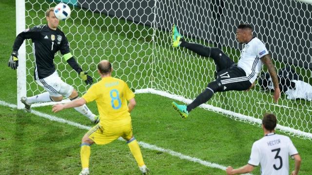 Boateng salvó a Alemania al estilo de los 'Súper Campeones'