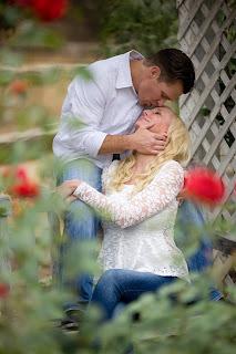 Ein zärtlicher Kuss verrät seine große Zuneigung