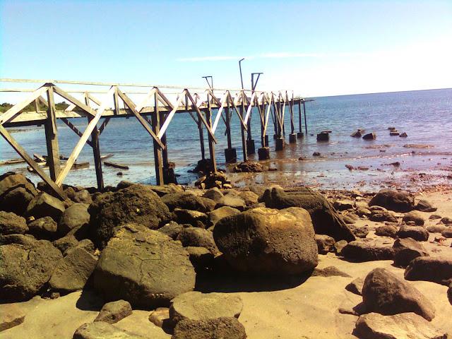 Dermaga pulau Nusi