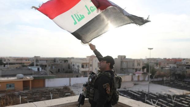 Soldados de segurança iraquianos libertaram mais áreas ao redor da cidade de Mosul dos terroristas ISIS em uma ofensiva destinada a retomar toda a cidade dos extremistas