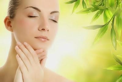 akhir ini green tea atau teh hijau sedang popular diberbagai kalangan Manfaat Green tea untuk Perawatan Kulit