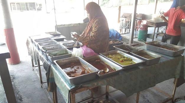 Warung Makan Tepi Jalan Berdekatan Tol Pedas Linggi