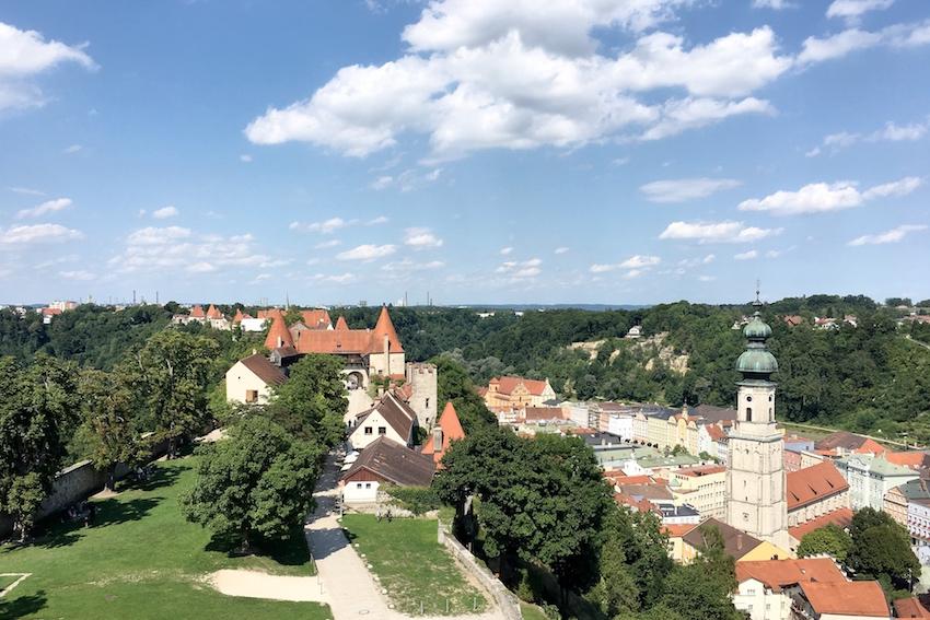 Blick nach Nord-Ost, Richtung Altstadt Burghausen und Salzach
