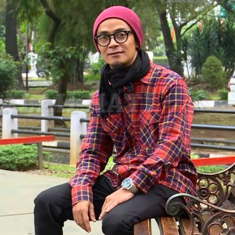 Biografi Ustadz Evie Effendi Ust Gaul Bandung Ustadz Evie Effendi