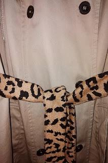 LoveLea's faux fur leopard coat belt, detail