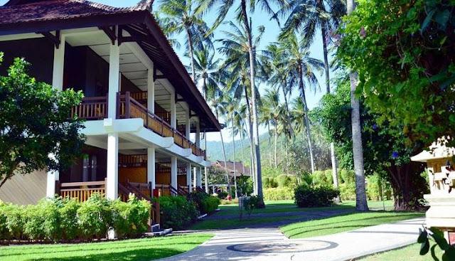 Suasana depan Hotel Kila Senggigi Beach Resort