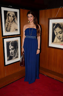 Aarti Chabria Latest Stills in Shoulderless Dress at Asian Film Festival ~ Bollywood and South Indian Cinema Actress Exclusive Picture Galleries