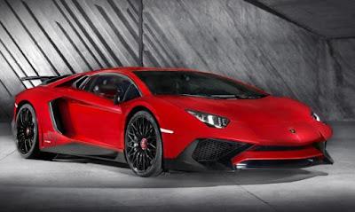 Lamborghini Aventador: Painted alloy wheels