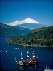 ทะเลสาบอาชิ (Lake Ashi)
