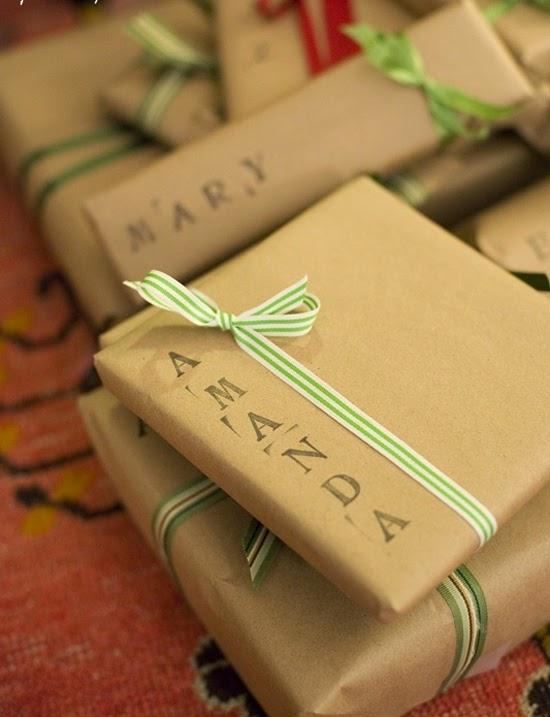 natal-presente-embalagem-papel-craft-carimbo-letras
