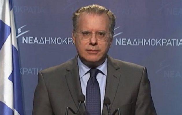ΞΕΣΗΚΩΜΟΣ σε όλη την Ομογένεια: Γιατί ΟΛΕΣ οι Παμμακεδονικές Ενώσεις ζητάνε το ΚΕΦΑΛΙ του Κουμουτσάκου!!! ΞΕΧΑΣΤΕ την  σύνθετη ονομασία !