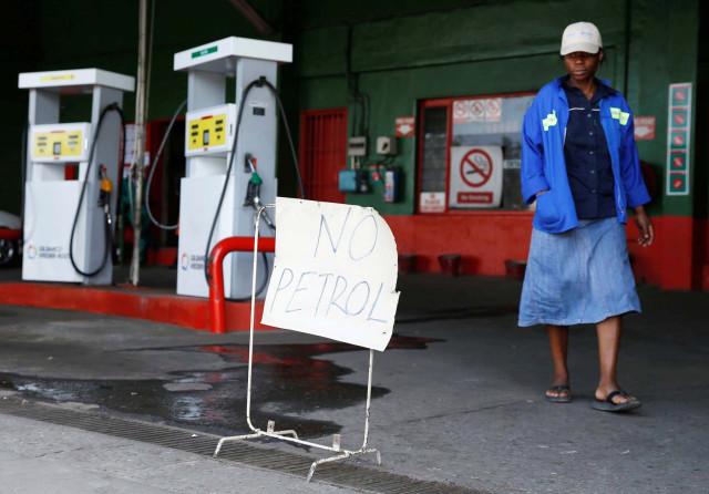 Zimbabue permite importar productos básicos - Hacia allá va Venezuela