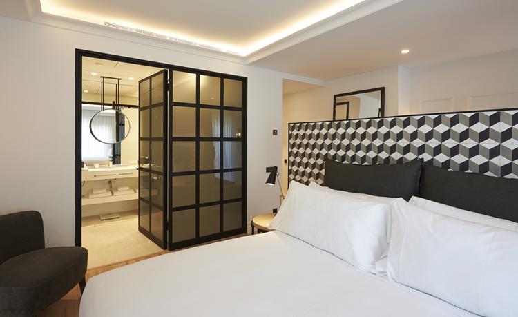 Contoh Desain Interior Kamar Tidur Konsep Hitam Putih ...