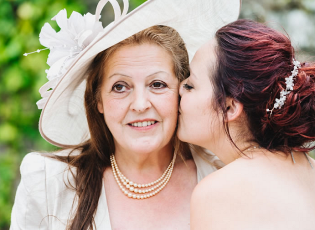 7 Things The Mother Of The Bride Or Groom Shouldn't Be Doing