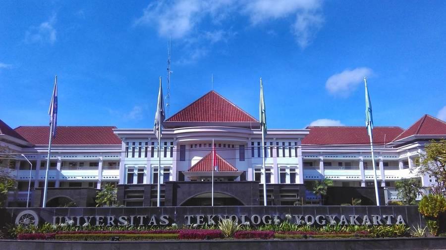 Biaya Kuliah Universitas Teknologi Yogyakarta Tahun 2021-2022 - Kuliah  Kelas Karyawan S1 S2