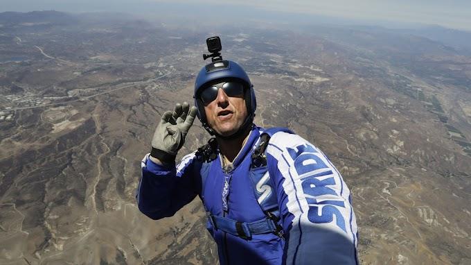 «Победа над страхом, природой и собой»: 42-летний американец совершил прыжок с высоты 7,6 километров без парашюта