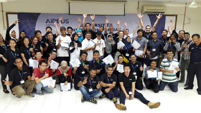 Cheers! The finalists of the Universities Innovation Fun Day with Airbus Group in Malaysia with their supporters, the judges and executives from Airbus Group.