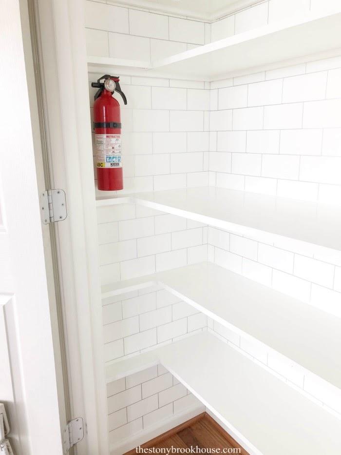 Complete shelves left side