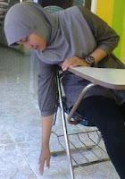 Peregangan pinggang di kantor, stretching pinggul untuk orang sibuk