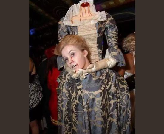 Fantasias Halloween - Perdendo a cabeça