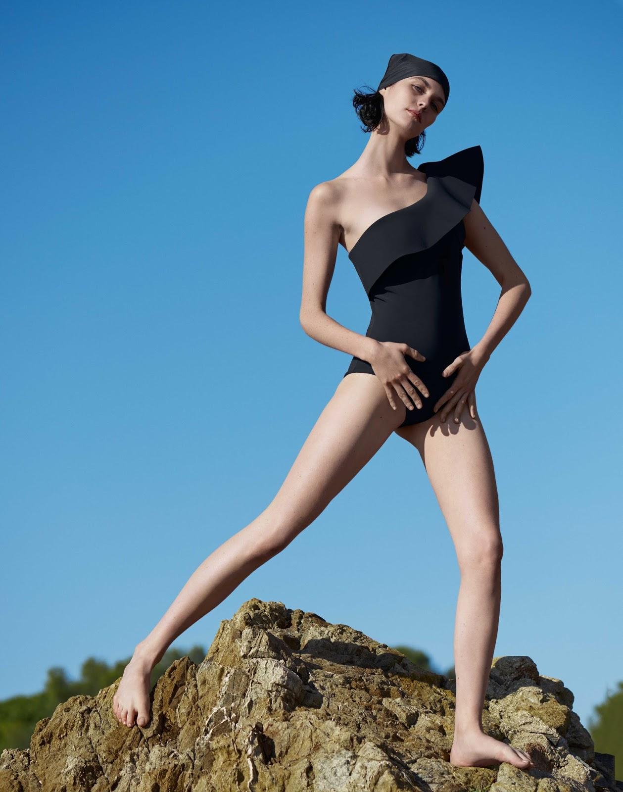 2017 05 kayla autumn ward legs - Make Up Helene Vasnier