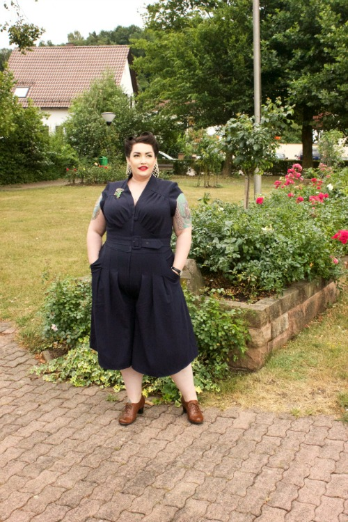 https://chronically-overdressed.com/2015/07/26/sheila-lee-pantskirtplaysuit-by-miss-candyfloss/
