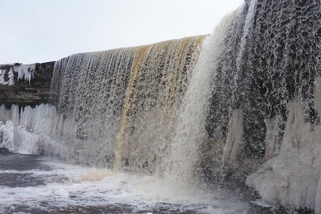 Jägala vesiputous, nähtävyys Tallinnan lähellä / Viro