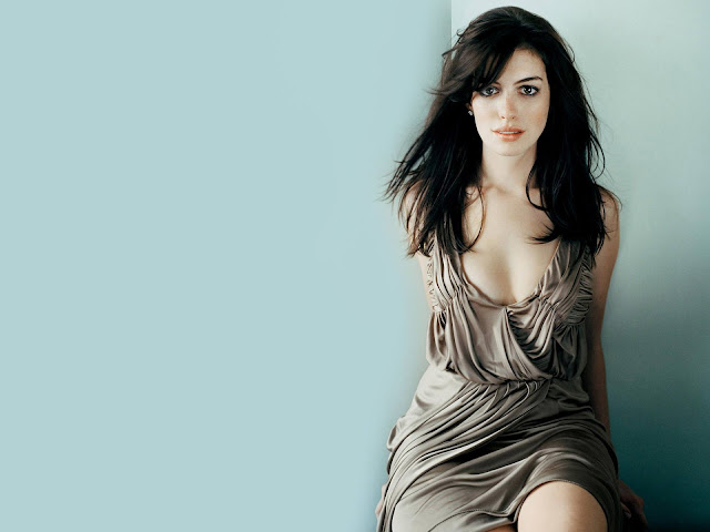 Anne Hathaway Beautiful Wallpapers