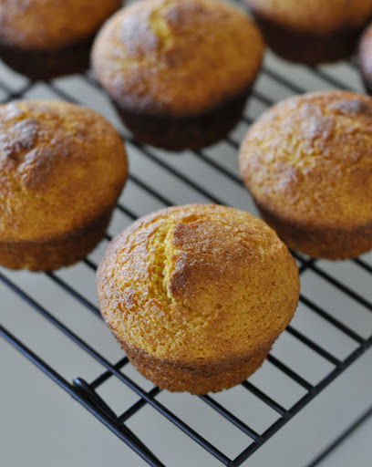 Sweet-Potato-Cornbread-Muffins-tasteasyougo.com