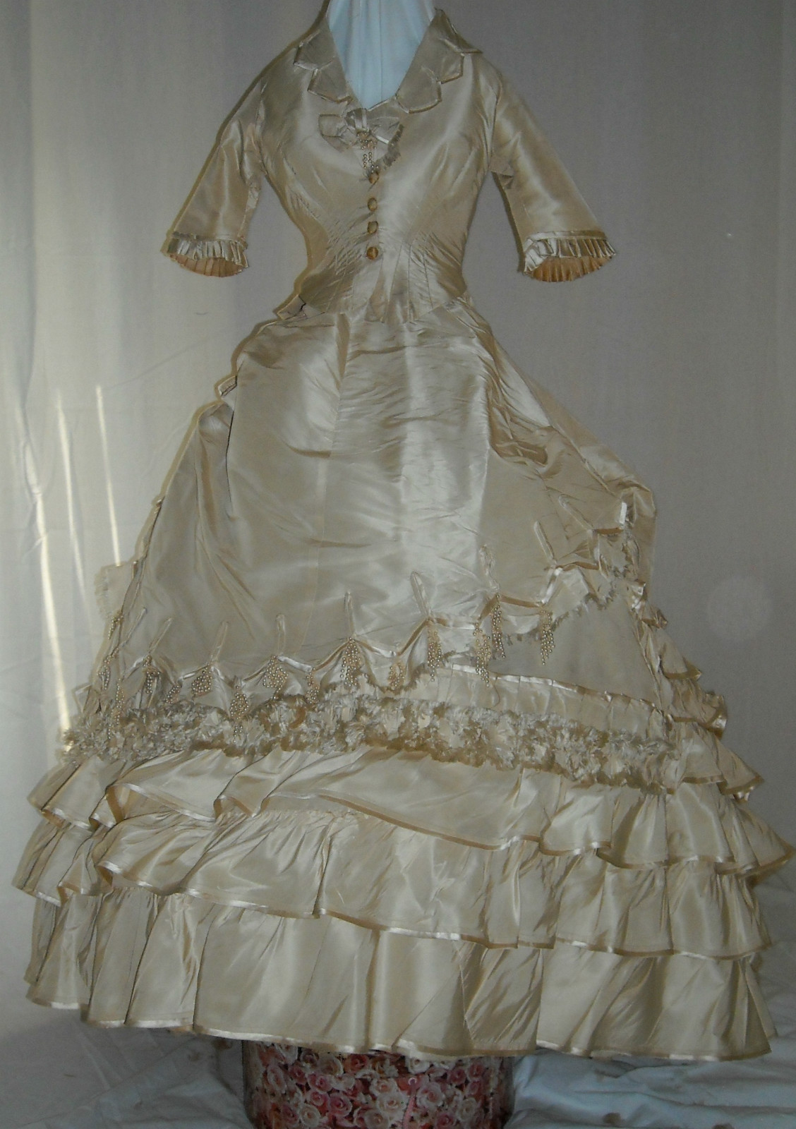 All The Pretty Dresses Late 1860 S Wedding Dress