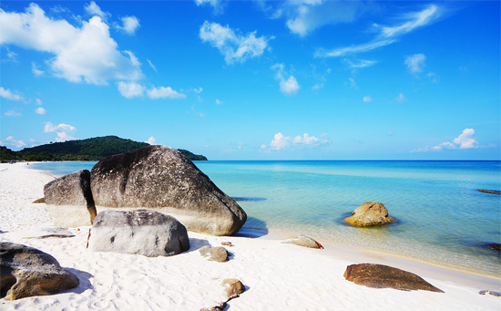 The best beach to stay in Phu Quoc, that is Bai Sao Beach