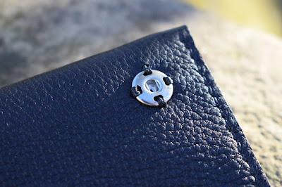 Porta tabacco in pelle personalizzato cucito a mano made in Italy