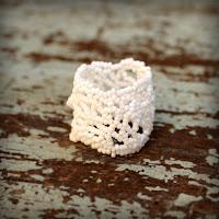 широкое ажурное кольцо белое женское кольцо ручной работы купить