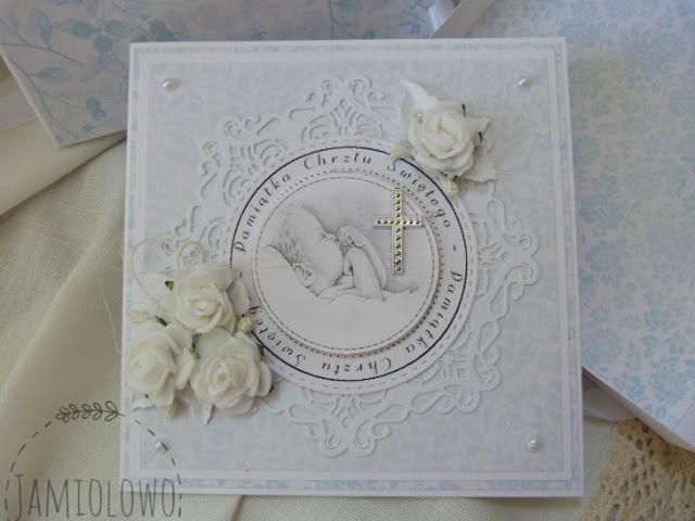 kartka ozdobiona białymi różami