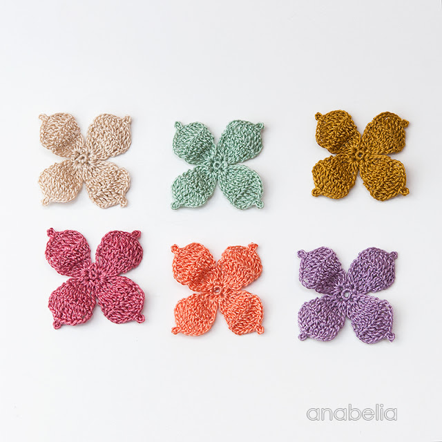 Crochet autumn flowers by Anabelia Craft Design
