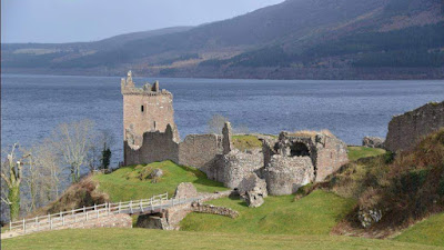Urquhart Castle - Picture by Home Farm B&B in Muir of Ord