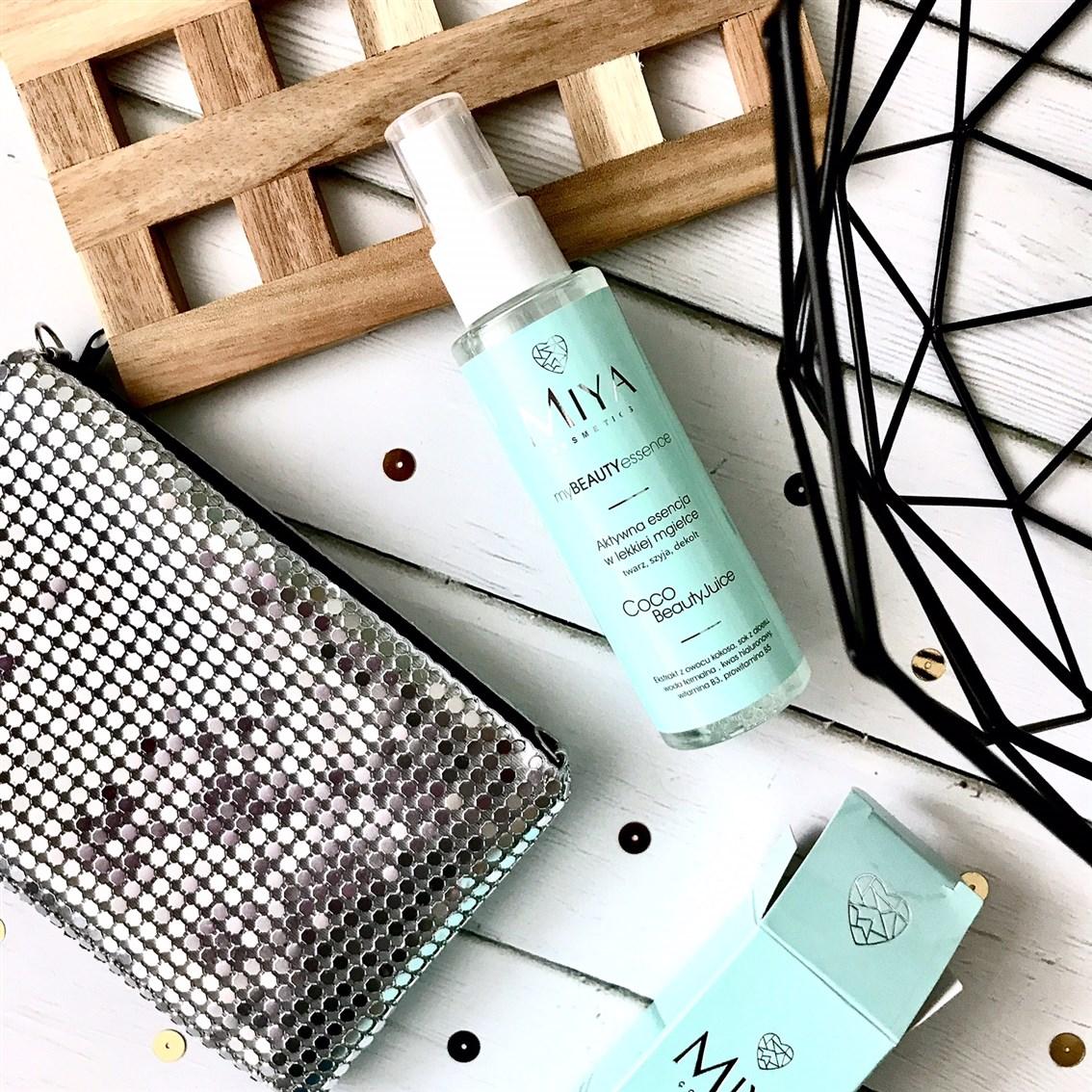 zdjęcie przedstawiające esencje Miya Cosmetics