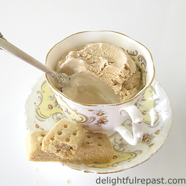 Earl Grey Ice Cream / www.delightfulrepast.com