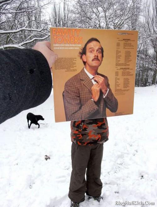 Ảnh ghép người đứng giữa băng tuyết mùa Đông