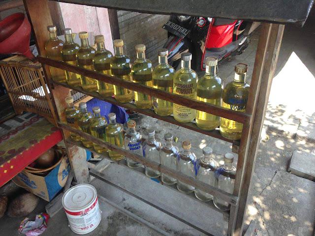 Petrol dans des bouteilles de vodka