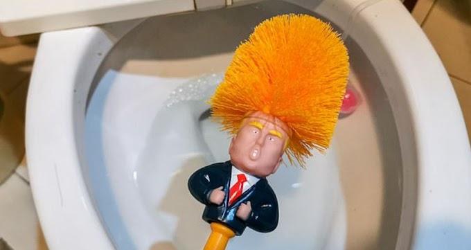 A CHINA SAI NA FRENTE: Trump vira objeto para limpar vasos sanitários na China e vendas disparam