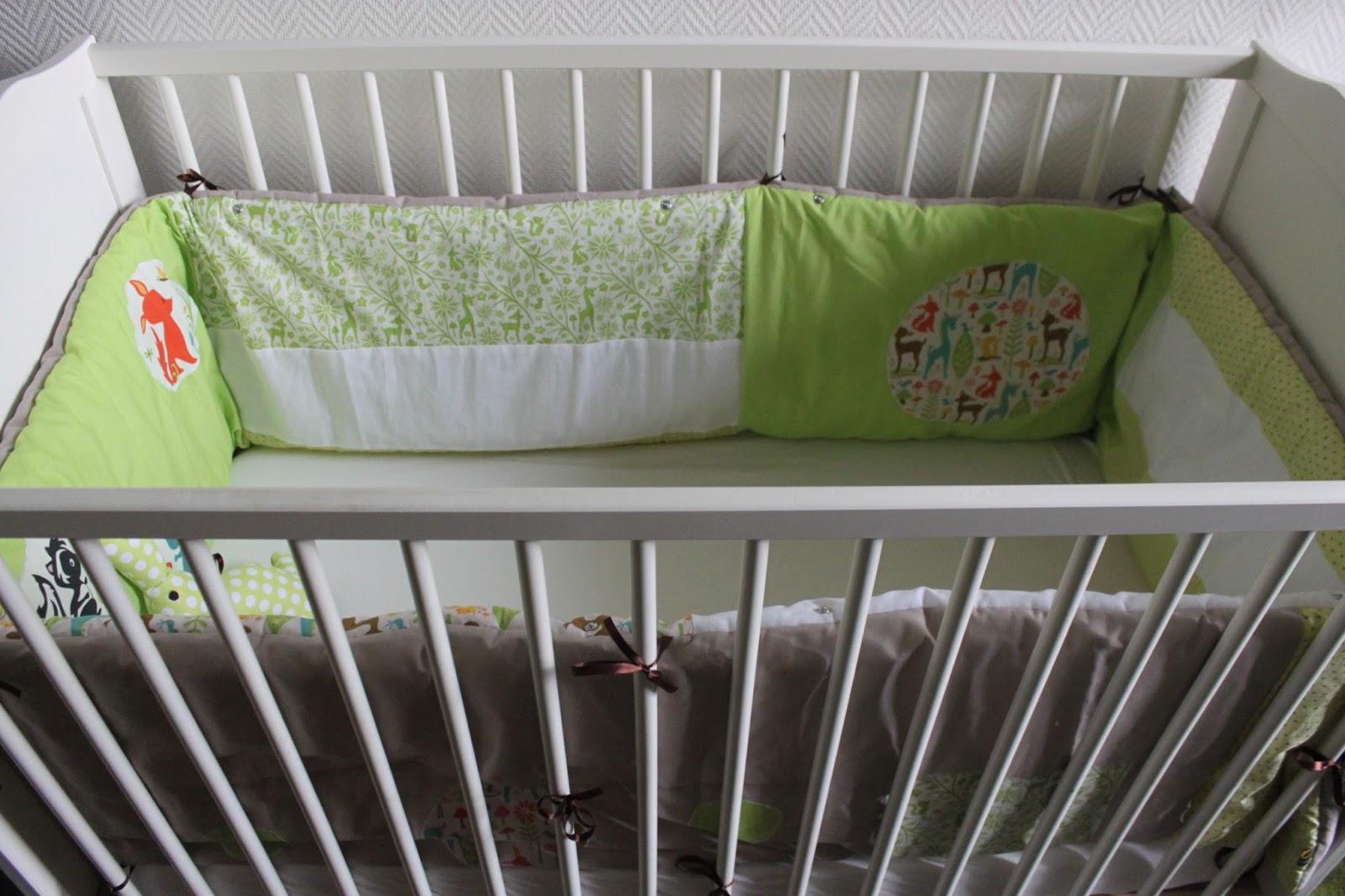 miss bee little coud pour vos p 39 tits bouts tour de lit complet 2 en 1 animaux de la for t. Black Bedroom Furniture Sets. Home Design Ideas