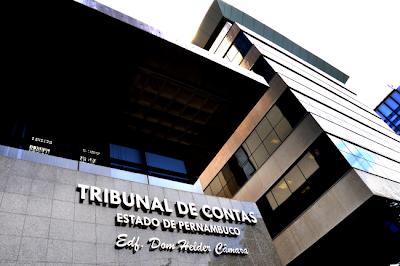 TCE multa prefeitos de Limoeiro e Aliança por irregularidades na transparência