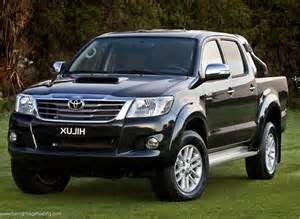Rasa penasaran terus senantiasa ada, hingga pada akhirnya bocor juga brosur Toyota Hilux teranyar.