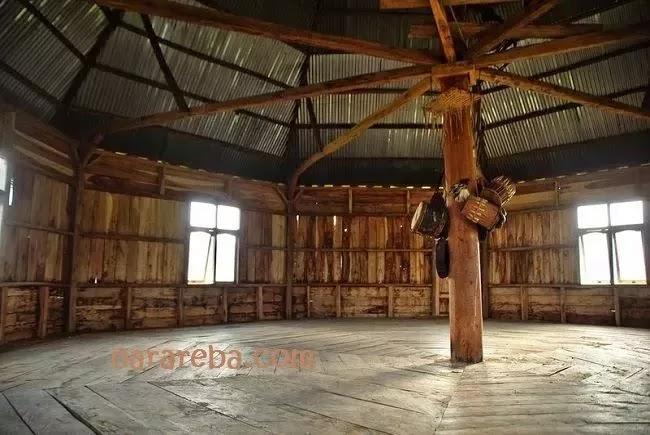 Ruang Dalam Mbaru Gendang - Rumah Wunut Manggarai
